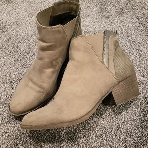 Madden Girl Ankle Booties sz 8.5